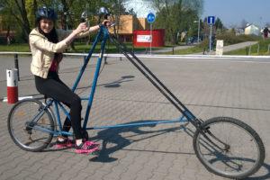 Studentka Obchodní akademie střední škola Prostějov na velkém kole